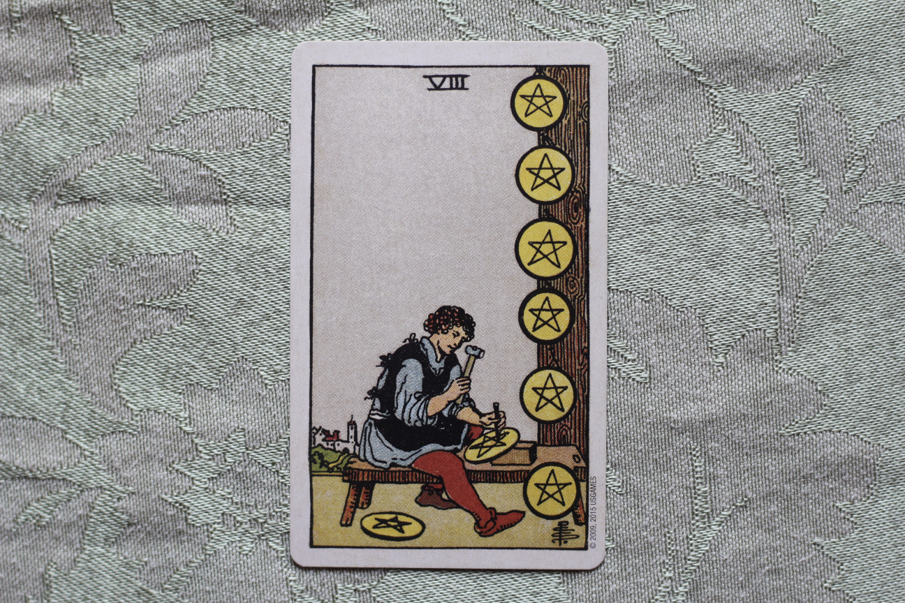 Full Moon in Virgo Decan 1: the 8 of Pentacles